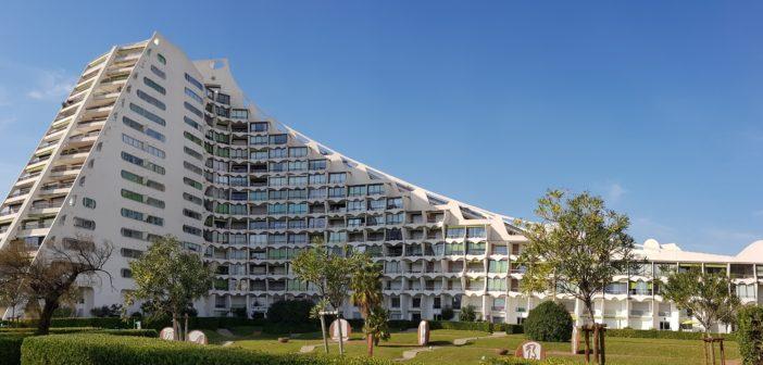 Grande-Motte, orașul caselor sub formă de piramidă